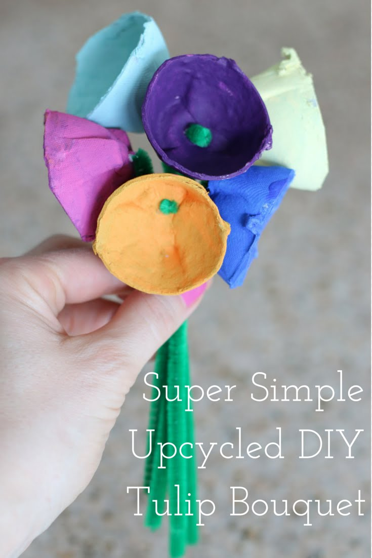 FashionablyEmployed.com   Simple Upcycled DIY Tulip Bouquet   simple kid crafts, upcycled egg carton, family crafts in under 30 minutes   Mother's Day kids handmade gift idea