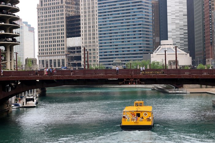 water taxi on Chicago River