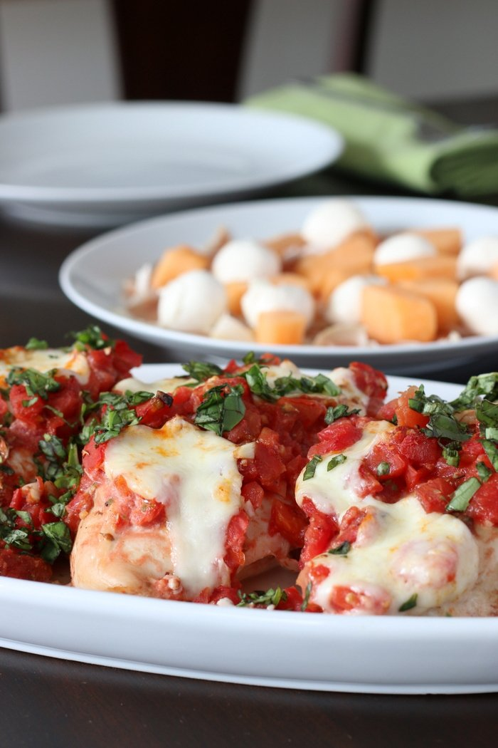 Want a quick and easy, kid-friendly recipe that's healthy? Check out this chicken bruschetta that you'll have on your table in no time!