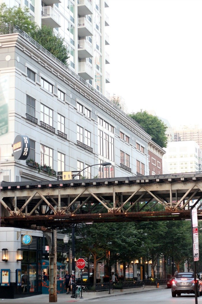 elevated train tracks in Chicago