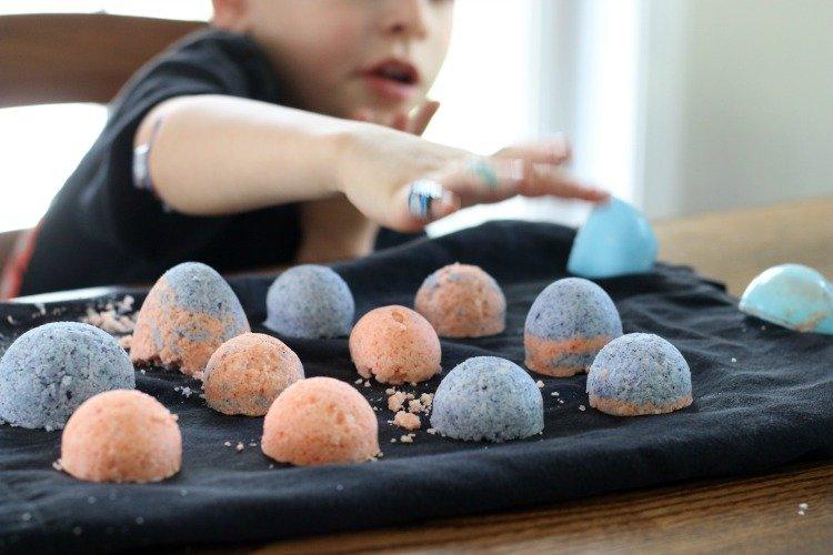 How To Make Homemade Bath Bombs With Kids