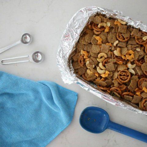 Simple Homemade Seasoned Snack Mix