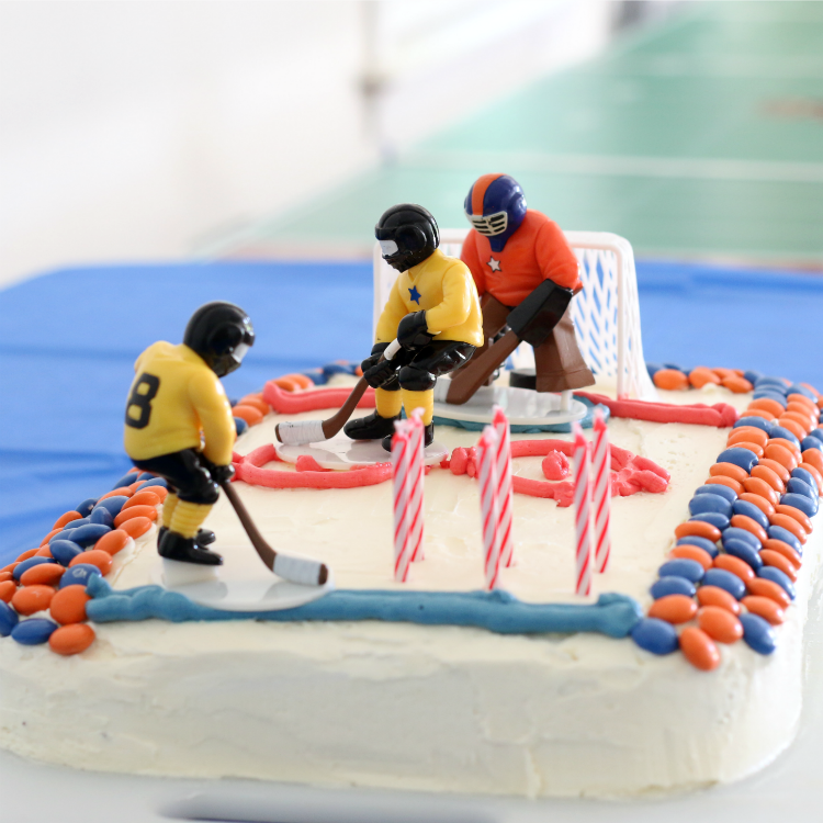 Easy Tips to Bake a Sports Cake With Kids