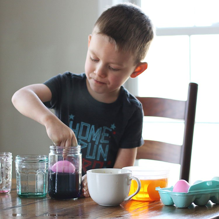 5 Tips for Eco-Friendly Easter Egg Dyeing for Kids