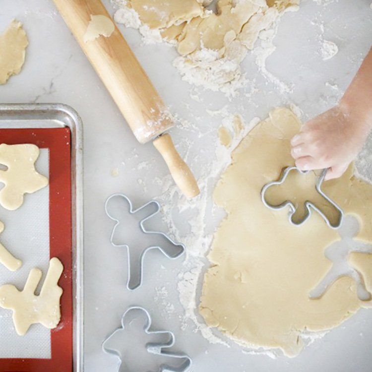 14+ Tips For Fun and Easy Baking With Kids