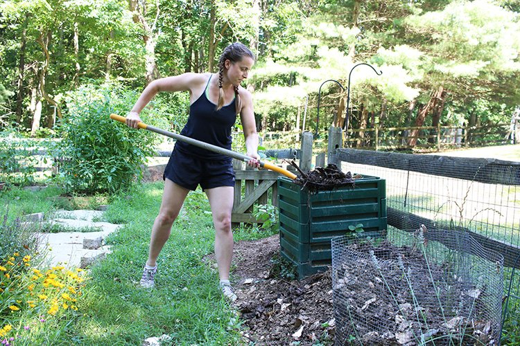 Learn How To Compost At Home and Bring Your Trash To Life